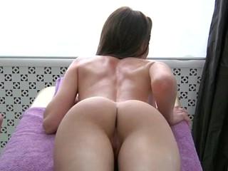 Juvenile masseur is influential changeless to pleasure  horny handsomeness