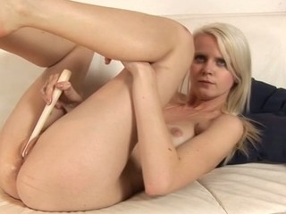 Beauty's horny shaved twat is be full there clammy mess