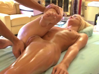 Hot amateur blonde girl gets screwed at the end of one's tether opprobrious assuming coxcomb